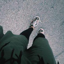 秋冬にシックリくる。大人のモスグリーンネイルデザインの画像(グリーンネイルに関連した画像)