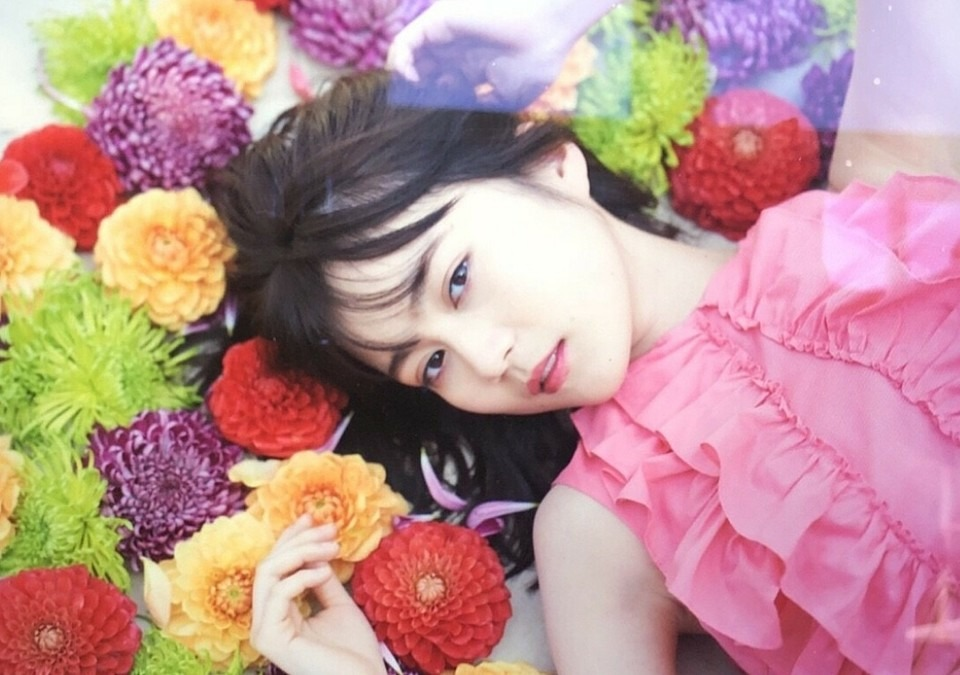 ピンクの衣装がかわいい生田絵梨花です。