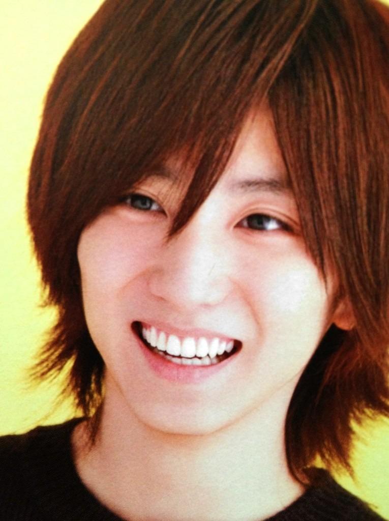 自然な笑顔の京本大我