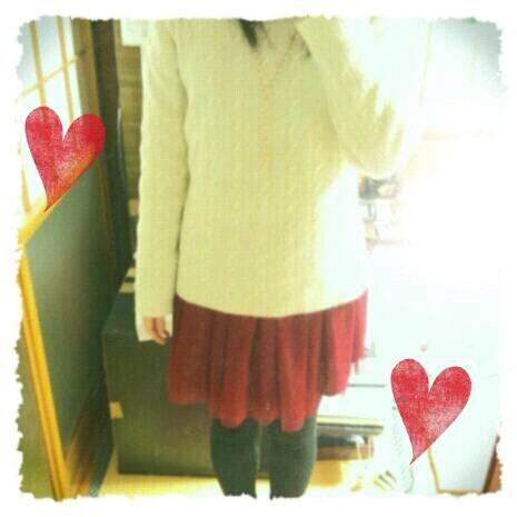白ニット赤スカートの画像 プリ画像