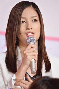 妊娠5ヶ月・黒木メイサ、ふっくらお腹で会見に登場 NHK大河ドラマ出演決定の画像(NHK大河ドラマに関連した画像)