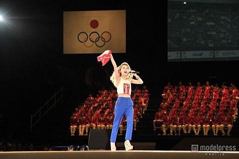 加藤ミリヤ、ロンドン五輪へ出発!「日本応援団の代表として」の画像 プリ画像