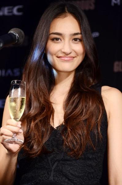 シャンパン片手に大人な雰囲気