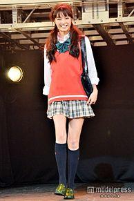 「Seventeen」モデル新川優愛、ミニスカ制服姿でスラッと美脚披露の画像(モデルプレスに関連した画像)