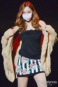 ざわちん、板野友美風メイクでランウェイに登場 セクシーさ漂わせウォーキングの画像(モデルプレスに関連した画像)