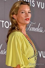ケイト・モス、セクシードレスで登場 圧巻の存在感示すの画像(モデルプレスに関連した画像)