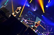 AMIAYA、小林武史が制作参加した「STAR LINE」披露 海外ファッションイベントでTOKYO POPをアピールの画像(小林武史に関連した画像)