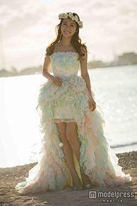 神戸蘭子、ハワイ挙式を報告 アロハ柄のウエディングドレス披露の画像(プリ画像)