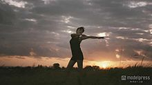 妊婦・佐藤江梨子、変わらぬ美プロポーション披露 吉川ひなの&秋元才加もしなやかボディで魅了の画像(佐藤江梨子に関連した画像)