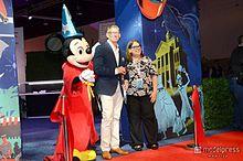ディズニーファンの祭典「D23」ミッキー参加のレセプションパーティー開催 ジョン・ラセターもサプライズ登場<モデルプレス現地取材>の画像(ジョン・ラセターに関連した画像)