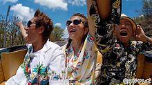マギー、狩野英孝・小峠英二らとハワイ旅行 朝食&ショッピングを満喫の画像(小峠英二に関連した画像)