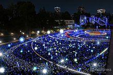 """クリスマスの""""宇宙イルミ""""に新演出 LED約52万個が星のようにきらめくの画像(東京ミッドタウンに関連した画像)"""