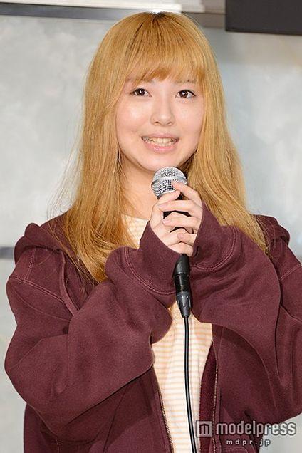 「あの花」で話題の女優・浜辺美波、清楚キャラとは「全然違う」金髪姿で意気込みの画像 プリ画像