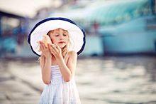 外国の女の子 海の画像(プリ画像)