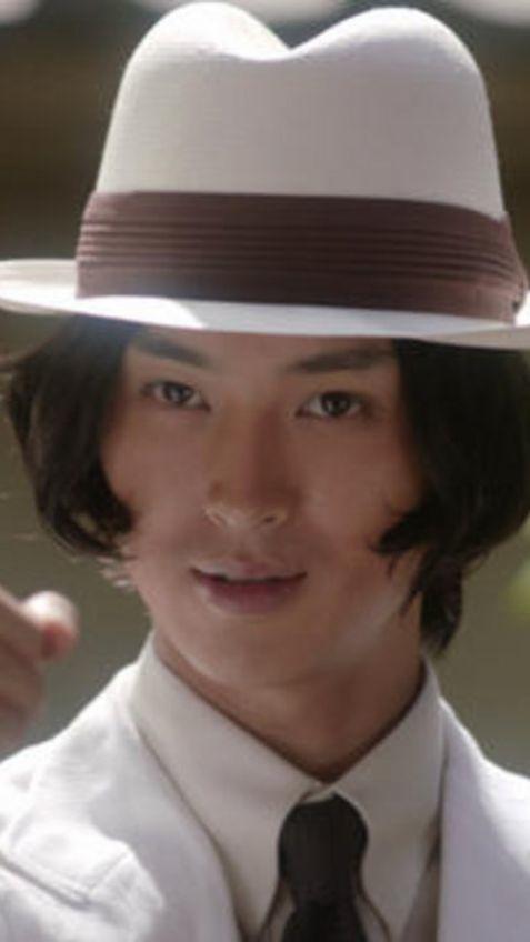 白一色の松田翔太