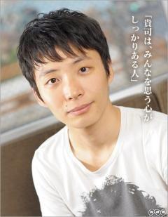 髪型を真似したい俳優【星野源】メンズヘアスタイル画像集【パーマ】