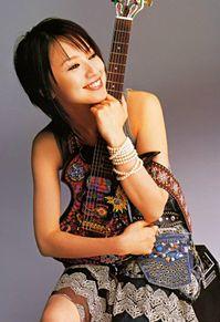 鈴木亜美さんがhideモデルを持ってる!の画像(鈴木亜美に関連した画像)