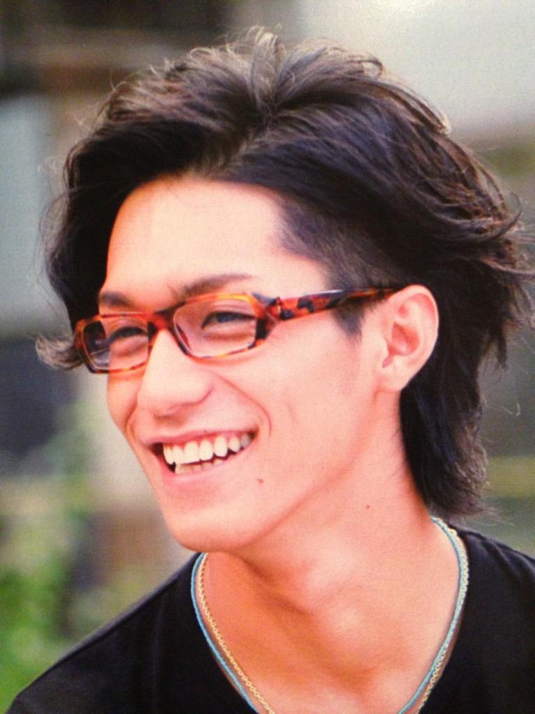 眼鏡が似合う錦戸亮。