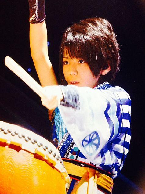 太鼓を叩く松島聡