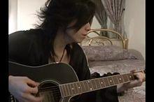 ギターを弾くyasuの画像(プリ画像)