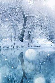 雪 綺麗 幻想的 背景 高画質 プリ画像