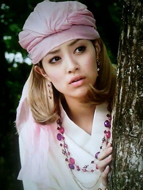 岡本あずさのピンクの帽子