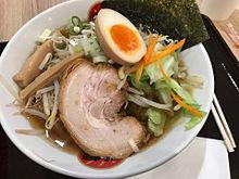 光麺 野菜いっぱい入った醤油ラーメン あっさりの画像(ラーメンに関連した画像)