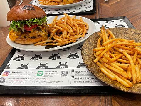 ショウグンバーガー ダブルチーズバーガー フライドポテトの画像(プリ画像)