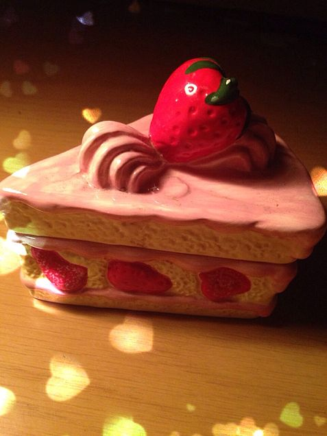ケーキの小物入れ?の画像(プリ画像)