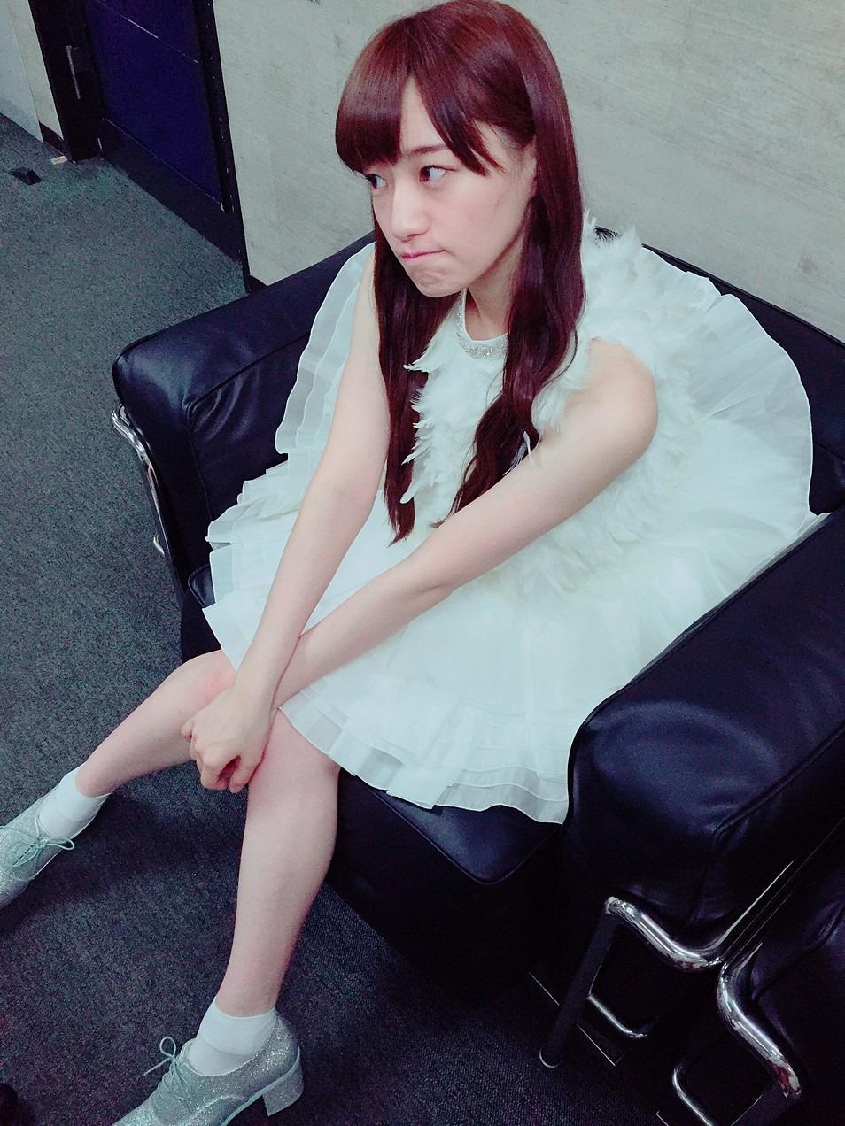 中田花奈の衣装画像