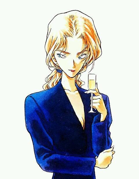金髪美人とロイヤルブルーの組み合わせ