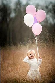 赤ちゃん 外人 海外 風船 バルーン 女の子 ガールの画像(赤ちゃん 外人に関連した画像)