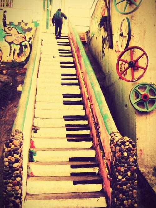 階段ピアノ