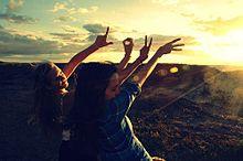 素材 待ち受け 壁紙 外国人 女の子 夕日の画像(素材 女の子 外国人 外国 夕日 おしゃれに関連した画像)