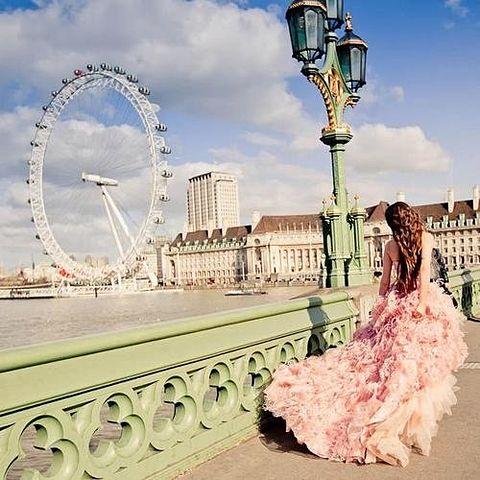 素材 待ち受け 壁紙 外国人 女の子 可愛い ピンクの画像 プリ画像