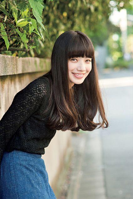 ニッコリ笑顔の小松菜奈